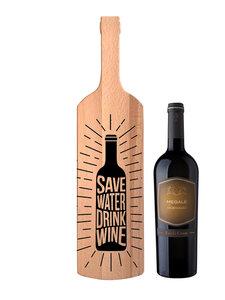 Hapjesplank met wijn en eigen gravure
